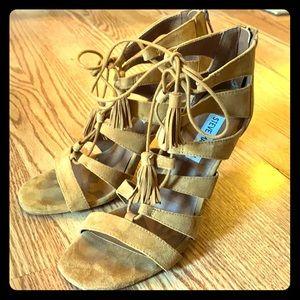 Steve Madden Suede Farrah Lace Up Tassel Heels 7